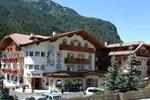 Отель Hotel La Perla