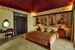 Отель Taman Suci Suite & Villas