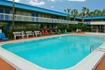 Отель Vista Inn & Suites Tampa