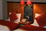 Отель Chatsworth Hotel