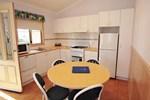 Отель Aspen Parks- Twofold Bay Beach Resort