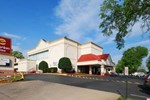 Отель Clarion Inn & Fundome
