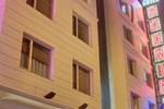 Отель Hotel Godwin Deluxe