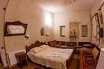 Отель Vineyard Cave Hotel