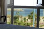 Отель Hotel Playa De Laxe