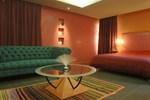 Отель Des Arts Suites & Spa
