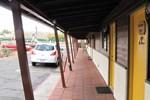 Отель Larian Motel