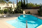 Отель Regency Inn & Suites Downey