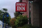 Отель Downey Inn Luxury Suites