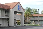 Отель Motel 6 Fresno - North Barcus Avenue