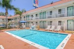 Отель Motel 6 Los Angeles - Van Nuys North Hills