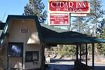 Отель Cedar Inn & Suites