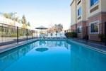 Отель La Quinta Inn & Suites Tulare