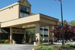 Отель Holiday Inn Danbury-Bethel at I-84