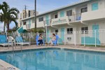 Отель Hollywood Beachside Boutique Suite
