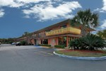 Отель Super 6 Inn & Suites Pensacola