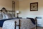 Отель Coachman's Inn