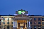 Отель Holiday Inn Express Hays