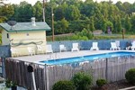 Отель Royal Inn and Suites Charlotte Airport