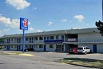 Отель Motel 6 Kansas City North - Airport