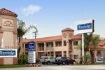 Отель Travelodge Whittier