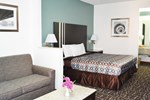 Отель Relax Inn Motel and Suites Omaha