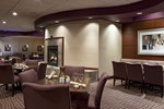 Отель DoubleTree Suites by Hilton Cincinnati – Blue Ash