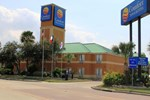 Отель Comfort Inn & Suites West