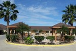Отель Los Fresnos Inn and Suites