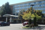 Отель Holiday Inn Charlottesville-Monticello
