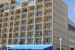 Отель Surfside Oceanfront Inn & Suites