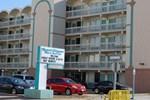 Отель Royal Clipper Inn & Suites