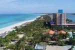 Отель Hotel Playa Caleta