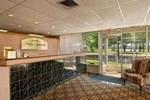 Отель Rodeway Inn Commack