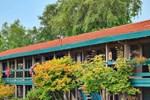 Отель Coachman Inn Oak Harbour