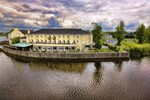 Отель Kilkenny Rivercourt