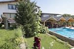 Отель Hotel Tihiat Kat