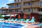 Отель Family Hotel Yanevs