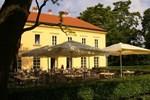 Отель Zamecky Hotel Lednice