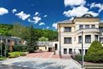 Отель Hotel Samechov