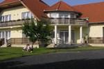 Апартаменты Balaton Apartmanház