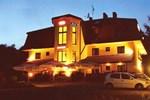 Отель Hotel Twardowski