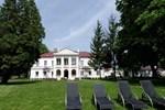 Отель Pałac Zegrzyński - Bungalows
