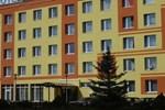 Отель Hotel Płonia