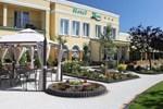 Отель Hotel Renusz