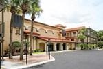 Отель Quality Inn & Suites Kissimmee