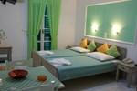 Апартаменты Annita's Village Hotel