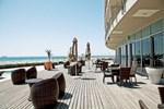 Отель Lagoon Beach Hotel
