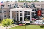 Отель Comfort Suites Mackinaw City