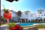 Отель Hotel Doña Lola Zahara